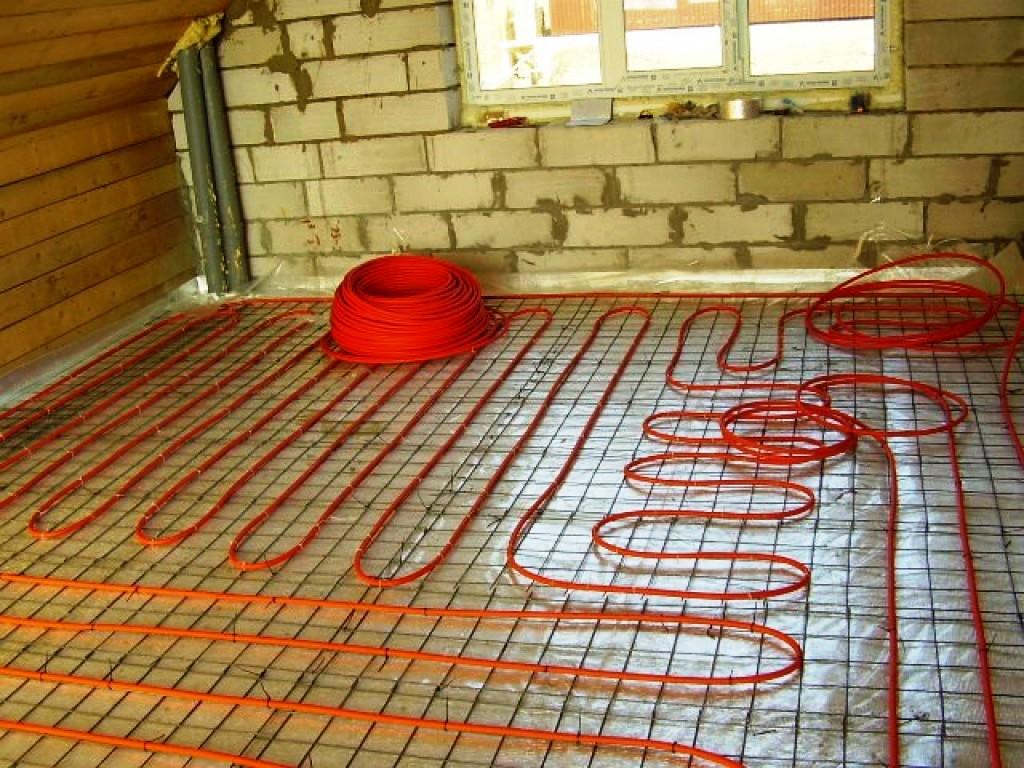 одноэтажных домов можно ли укладывать плитку на включенный теплый пол черный синий желтый