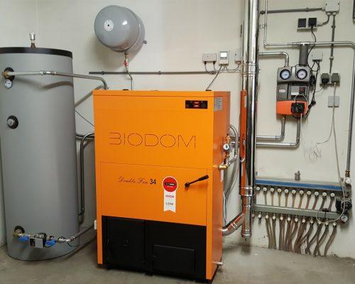 Автоматический пеллетный котёл BIODOM27 с постоянным КПД более 92 %